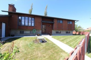 Main Photo: 15 WHITWORTH Road NE in Calgary: Whitehorn Detached for sale : MLS®# A1126883