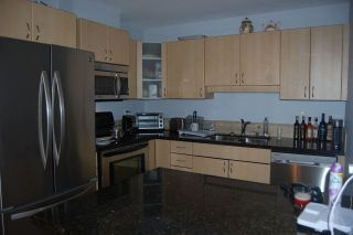 Photo 3: 302 19774 56 AVENUE in Langley: Langley City Condo for sale : MLS®# R2231875