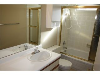 """Photo 9: 6950 TYNE Street in Vancouver: Killarney VE 1/2 Duplex for sale in """"CHAMPLAIN HEIGHTS"""" (Vancouver East)  : MLS®# V1044815"""