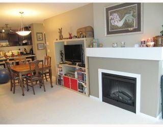 Photo 4: 311 600 KLAHANIE Drive in Port Moody: Port Moody Centre Condo for sale : MLS®# V805464