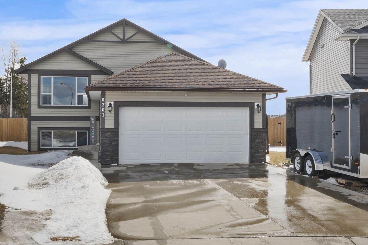 Main Photo: 6201 45 Street: Cold Lake House for sale : MLS®# E4235805