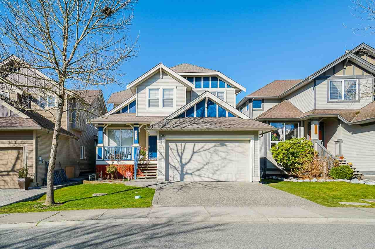 """Main Photo: 6955 196A Street in Langley: Willoughby Heights House for sale in """"Camden Park"""" : MLS®# R2446076"""