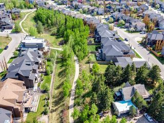 Photo 2: 34 Wexford Way SW in Calgary: West Springs Detached for sale : MLS®# A1113397
