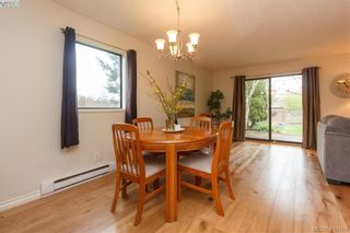 Photo 3: 6 4350 West Saanich Rd in VICTORIA: SW Royal Oak Row/Townhouse for sale (Saanich West)  : MLS®# 813072