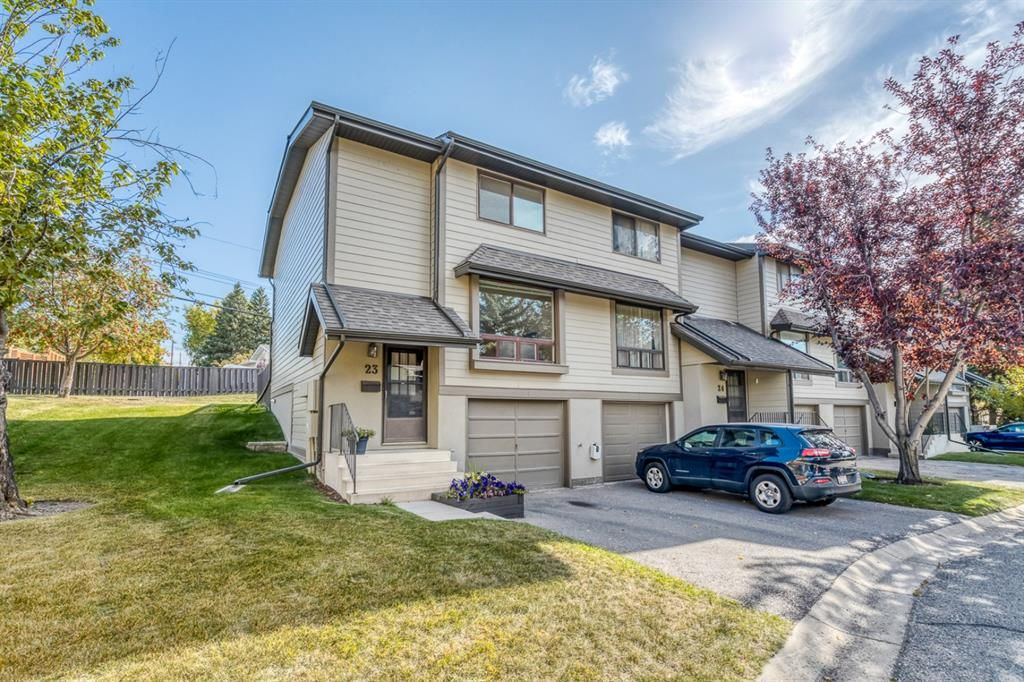 Main Photo: 23 5019 46 Avenue SW in Calgary: Glamorgan Row/Townhouse for sale : MLS®# A1150521