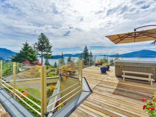Photo 1: 242 BAYVIEW ROAD in West Vancouver: Lions Bay House for sale : MLS®# R2083072