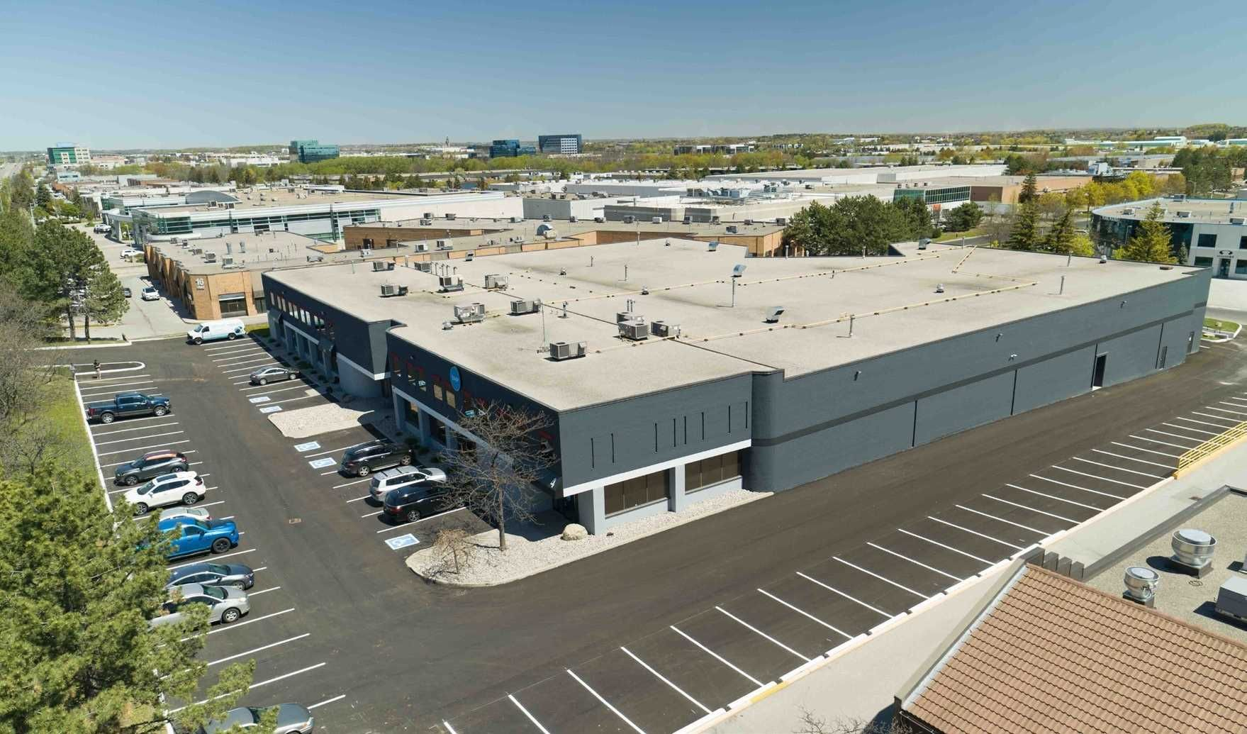 Main Photo: 9099 Leslie Street in Richmond Hill: Beaver Creek Business Park Property for sale : MLS®# N5260562