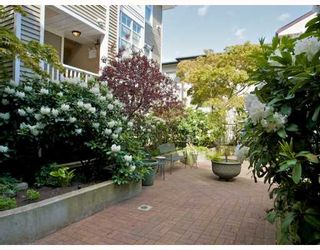 "Photo 7: 105 2588 ALDER Street in Vancouver: Fairview VW Condo for sale in ""BOLLERT PLACE"" (Vancouver West)  : MLS®# V766148"