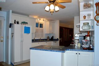 Photo 3: 34 1498 Admirals Rd in VICTORIA: VR Glentana Manufactured Home for sale (View Royal)  : MLS®# 774546