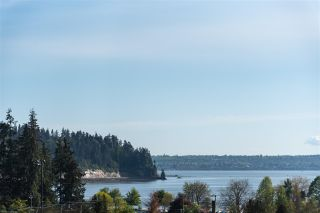Photo 3: 1136 KEITH Road in West Vancouver: Ambleside House for sale : MLS®# R2575616