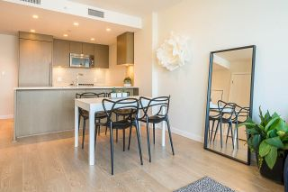 Photo 4: 901 125 E 14TH STREET in North Vancouver: Central Lonsdale Condo for sale : MLS®# R2330786