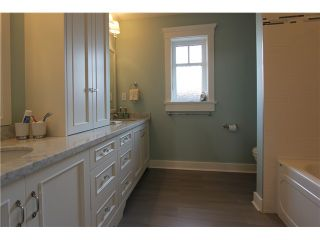 "Photo 10: 128 GLYNDE Avenue in Burnaby: Capitol Hill BN House for sale in ""CAPITOL HILL"" (Burnaby North)  : MLS®# V1052791"