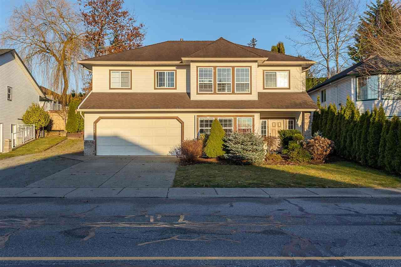 Main Photo: 3822 LATIMER Street in Abbotsford: Abbotsford East House for sale : MLS®# R2550585