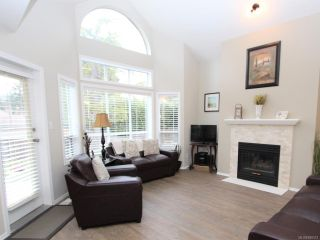Photo 4: 1969 Bunker Hill Dr in NANAIMO: Na Departure Bay Row/Townhouse for sale (Nanaimo)  : MLS®# 808312