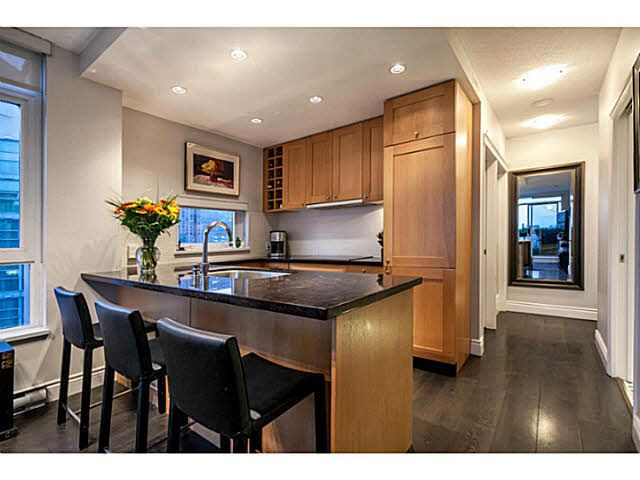 """Photo 3: Photos: 1808 821 CAMBIE Street in Vancouver: Downtown VW Condo for sale in """"RAFFLES ON ROBSON"""" (Vancouver West)  : MLS®# V1125986"""