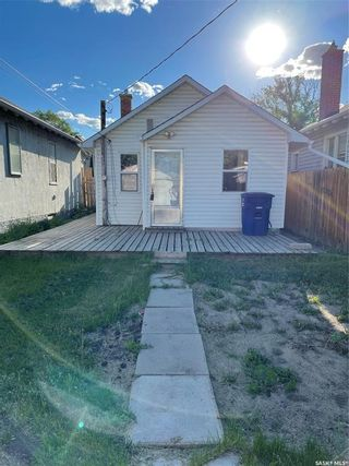 Photo 4: 128 H Avenue North in Saskatoon: Caswell Hill Residential for sale : MLS®# SK859852