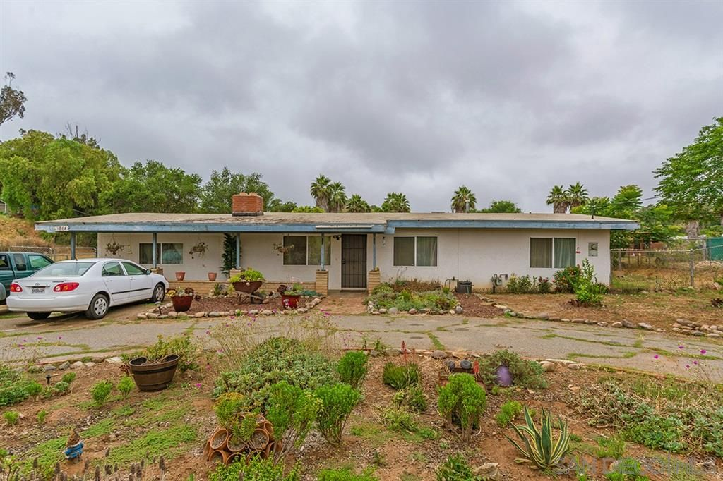 Main Photo: SAN MARCOS House for sale : 3 bedrooms : 1864 N Twin Oaks Valley Rd