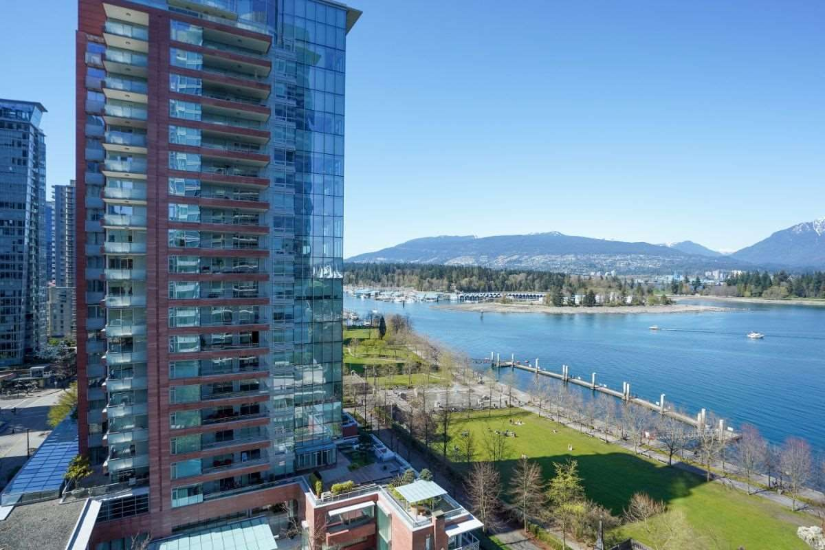 """Main Photo: 1104 1139 W CORDOVA Street in Vancouver: Coal Harbour Condo for sale in """"HARBOUR GREEN TWO"""" (Vancouver West)  : MLS®# R2571905"""