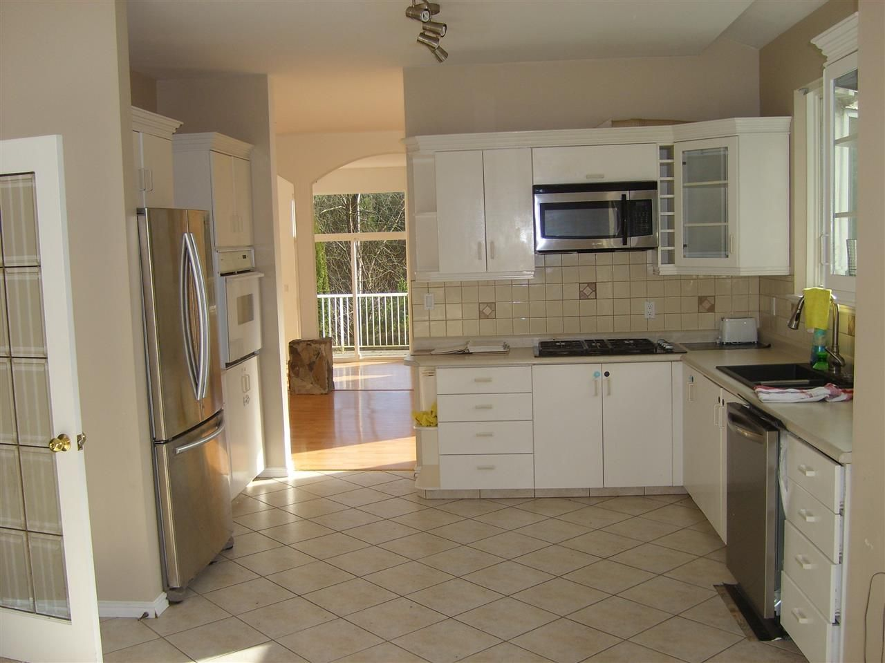 Photo 4: Photos: 28640 123 Avenue in Maple Ridge: Northeast House for sale : MLS®# R2419989