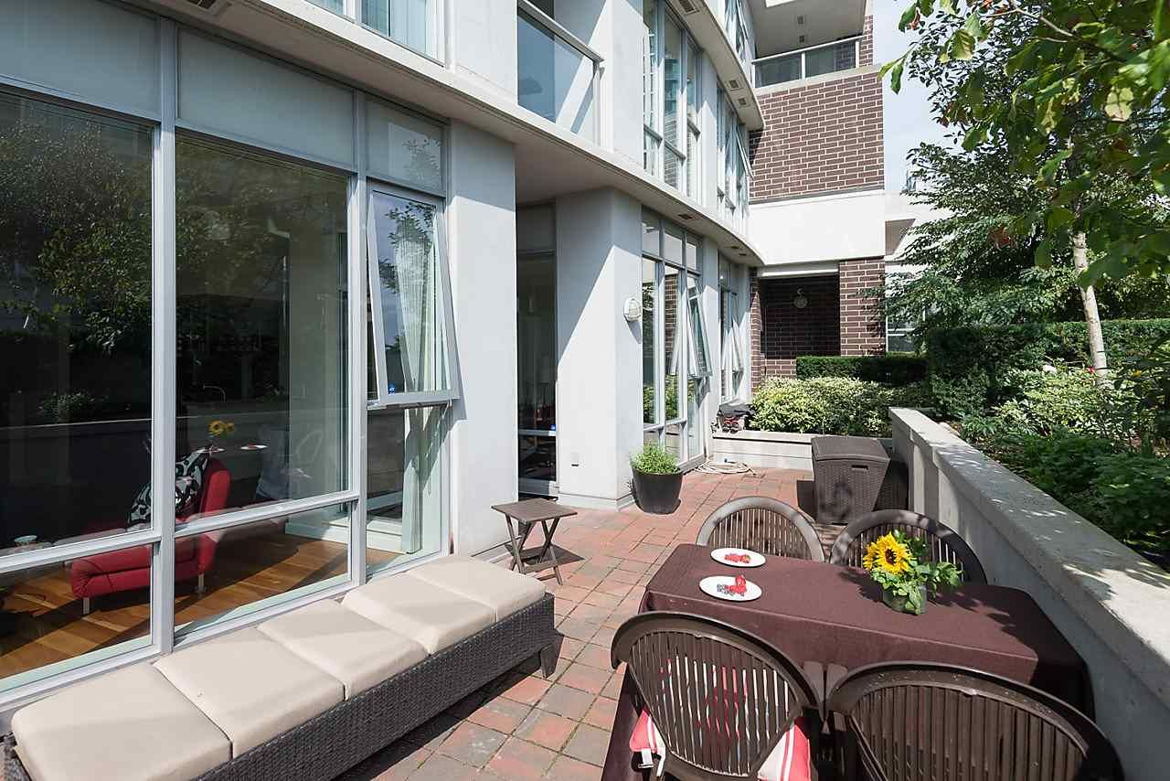 Photo 11: Photos: 101 550 PACIFIC STREET in Vancouver: Yaletown Condo for sale (Vancouver West)  : MLS®# R2135821