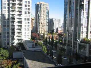 "Photo 12: 802 1295 RICHARDS Street in Vancouver: Downtown VW Condo for sale in ""OSCAR"" (Vancouver West)  : MLS®# R2213987"