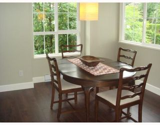 """Photo 4: 1111 ROSS Road in North_Vancouver: Lynn Valley Townhouse for sale in """"HIGHGATE"""" (North Vancouver)  : MLS®# V775483"""