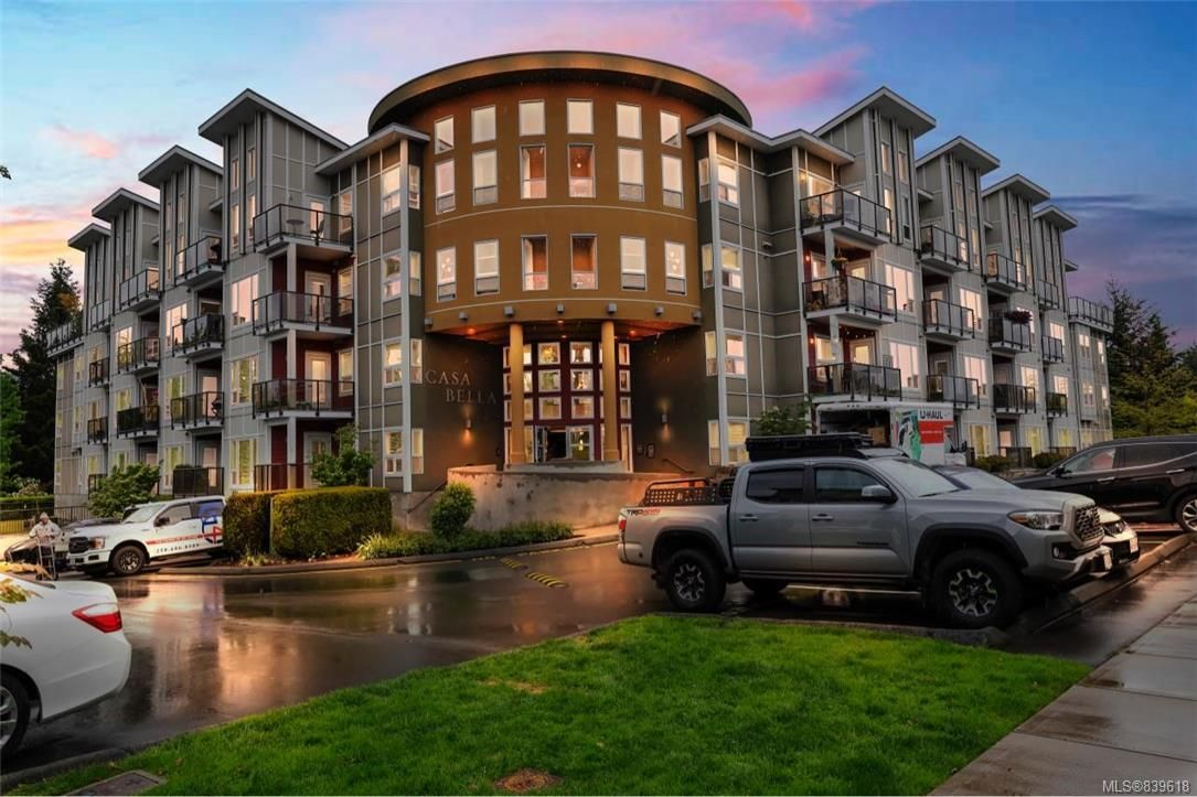 Main Photo: 205 866 Brock Ave in Langford: La Langford Proper Condo for sale : MLS®# 839618