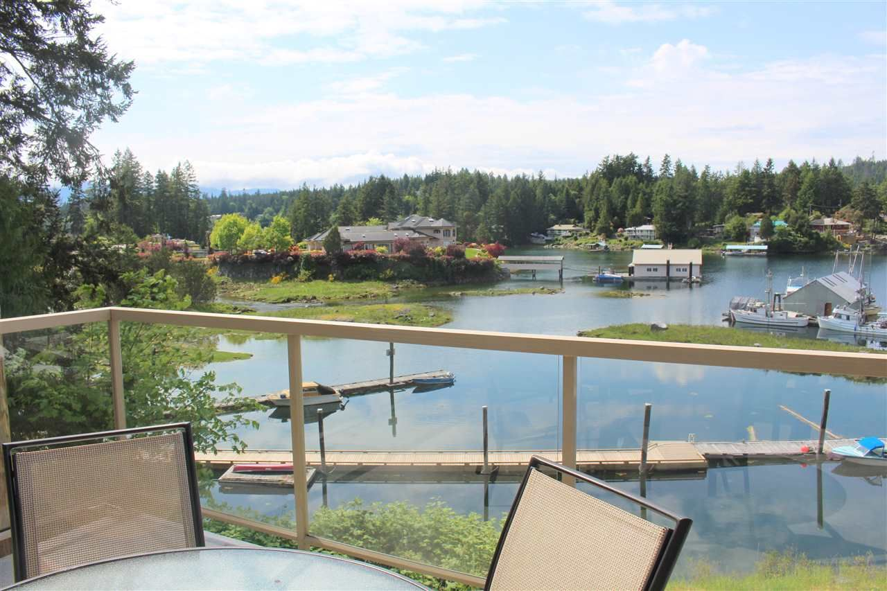 """Main Photo: 5D 12849 LAGOON Road in Pender Harbour: Pender Harbour Egmont Townhouse for sale in """"PAINTED BOAT RESORT"""" (Sunshine Coast)  : MLS®# R2259481"""