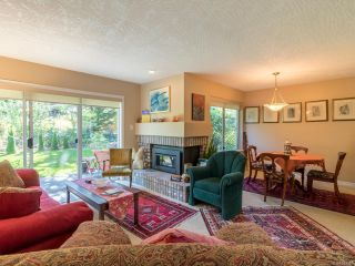 Photo 3: 676 Pine Ridge Dr in COBBLE HILL: ML Cobble Hill House for sale (Malahat & Area)  : MLS®# 793391