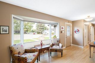 Photo 6: 164 Maple Court Crescent SE in Calgary: Maple Ridge Detached for sale : MLS®# A1144752