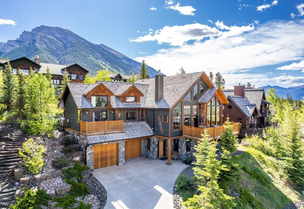 Main Photo: 812 Silvertip Heights: Canmore Detached for sale : MLS®# A1120458