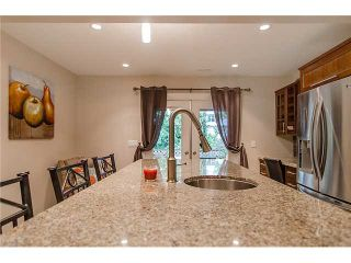 Photo 11: 241 BALMORAL Place in Port Moody: North Shore Pt Moody Townhouse for sale : MLS®# V1021007