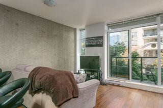 """Photo 3: 307 988 RICHARDS Street in Vancouver: Yaletown Condo for sale in """"TRIBECA"""" (Vancouver West)  : MLS®# R2202048"""