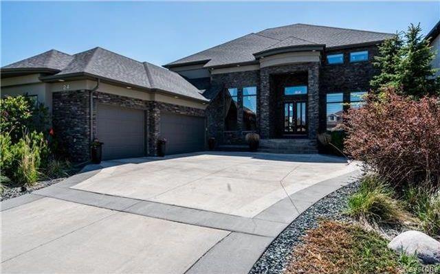 Main Photo: 24 Eastoak Drive in Winnipeg: Royalwood Residential for sale (2J)  : MLS®# 1713989