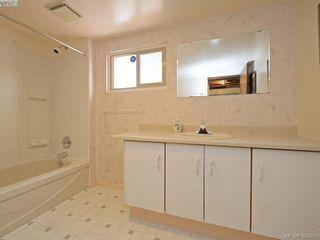 Photo 18: 2594 Beach Dr in VICTORIA: OB Estevan House for sale (Oak Bay)  : MLS®# 770514