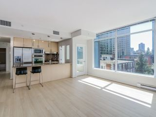 """Photo 4: 803 1211 MELVILLE Street in Vancouver: Coal Harbour Condo for sale in """"The Ritz"""" (Vancouver West)  : MLS®# R2084525"""
