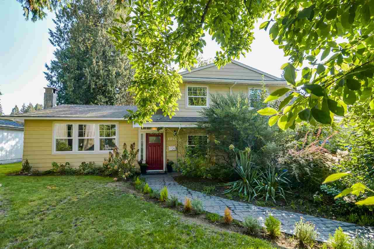 Main Photo: 11732 FRASERVIEW Street in Maple Ridge: Southwest Maple Ridge House for sale : MLS®# R2113263
