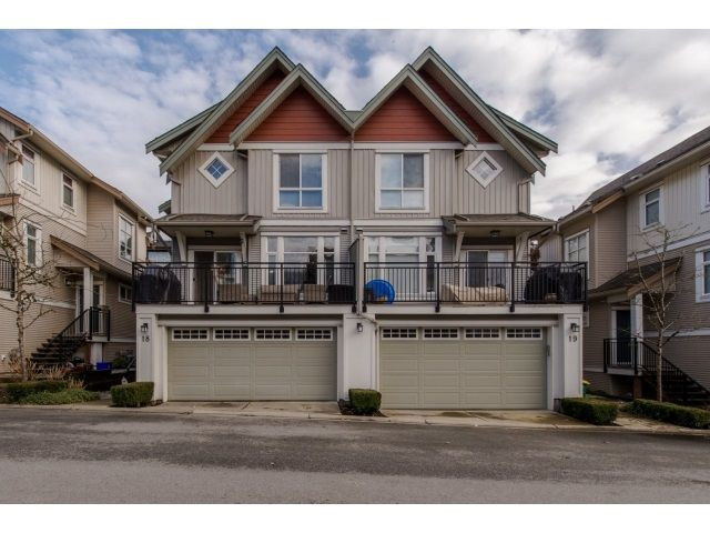 Main Photo: 18 20120 68 AVENUE in : Willoughby Heights Townhouse for sale : MLS®# R2029145