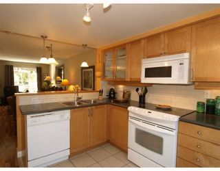 Photo 7: 14 288 ST DAVIDS Avenue in North_Vancouver: Lower Lonsdale Townhouse for sale (North Vancouver)  : MLS®# V764880