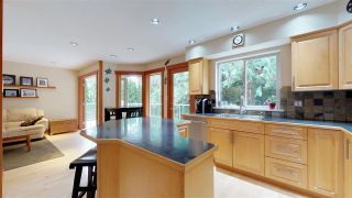 Photo 5: 1631 MACDONALD Place in Squamish: Brackendale House for sale : MLS®# R2356396