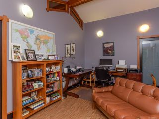Photo 38: 330 MCLEOD STREET in COMOX: CV Comox (Town of) House for sale (Comox Valley)  : MLS®# 821647