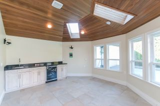 """Photo 13: 8231 SUNNYWOOD Drive in Richmond: Broadmoor House for sale in """"Broadmore"""" : MLS®# R2477217"""
