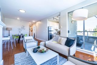 """Photo 2: 613 2655 CRANBERRY Drive in Vancouver: Kitsilano Condo for sale in """"NEW YORKER"""" (Vancouver West)  : MLS®# R2581568"""