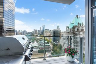 """Photo 13: 1902 667 HOWE Street in Vancouver: Downtown VW Condo for sale in """"PRIVATE RESIDENCES AT HOTEL GEORGIA"""" (Vancouver West)  : MLS®# R2615132"""
