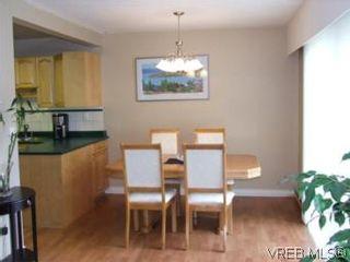 Photo 8: 35 610 McKenzie Ave in VICTORIA: SW Glanford Row/Townhouse for sale (Saanich West)  : MLS®# 531206