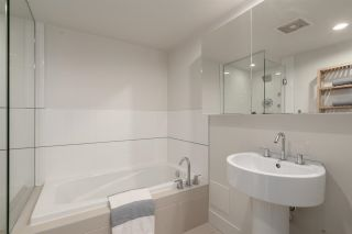 """Photo 22: 808 565 SMITHE Street in Vancouver: Downtown VW Condo for sale in """"Vita"""" (Vancouver West)  : MLS®# R2575019"""