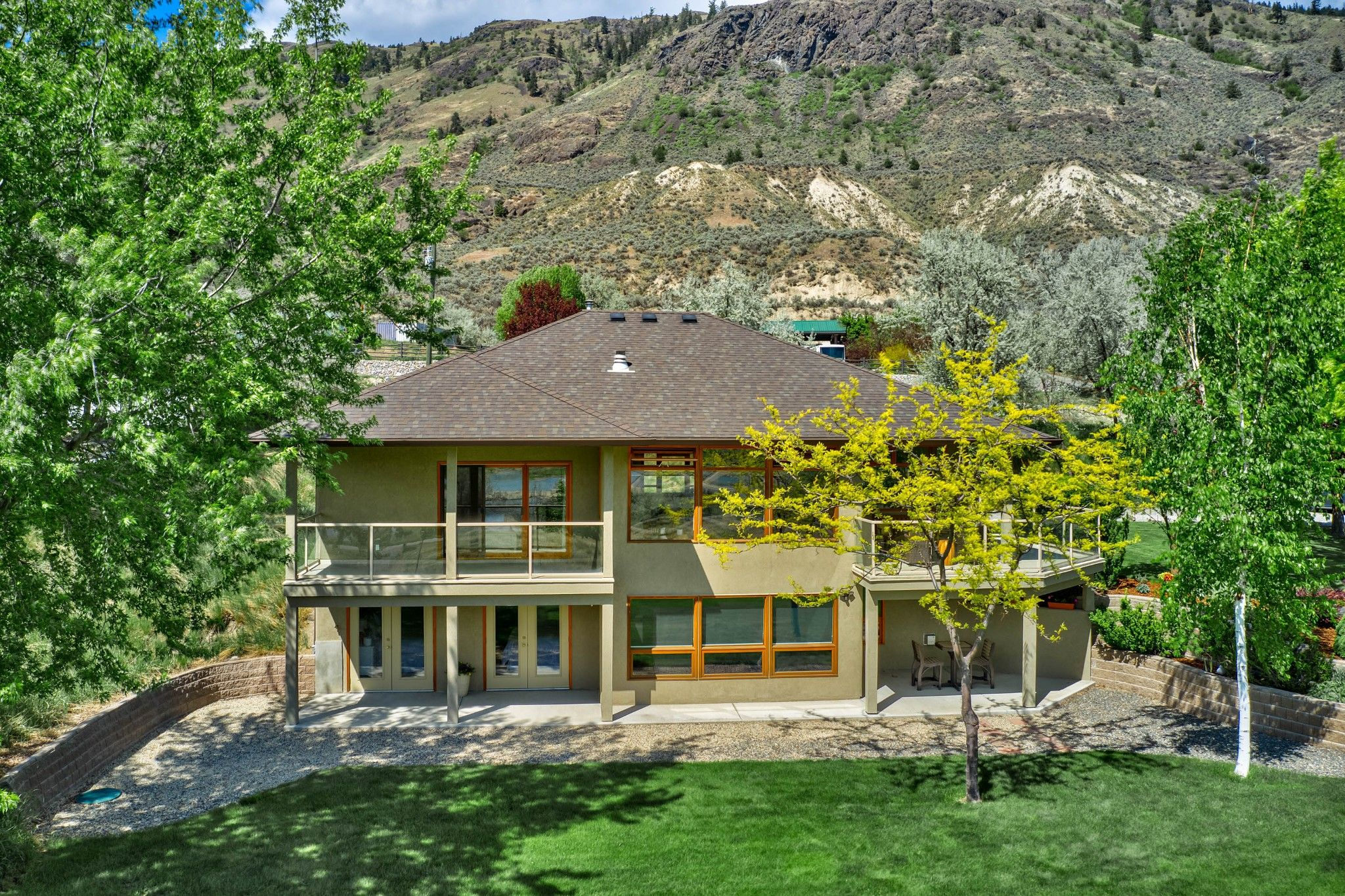 Photo 2: Photos: 3299 E Shuswap Road in Kamloops: South Thompson Valley House for sale : MLS®# 162162