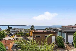 Photo 4: 15542 COLUMBIA Avenue: House for sale in White Rock: MLS®# R2536683