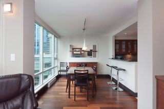 "Photo 5: 803 590 NICOLA Street in Vancouver: Coal Harbour Condo for sale in ""CASCINA"" (Vancouver West)  : MLS®# R2045601"