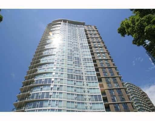 """Photo 2: Photos: 583 BEACH Crescent in Vancouver: False Creek North Condo for sale in """"TWO PARKWEST"""" (Vancouver West)  : MLS®# V634850"""
